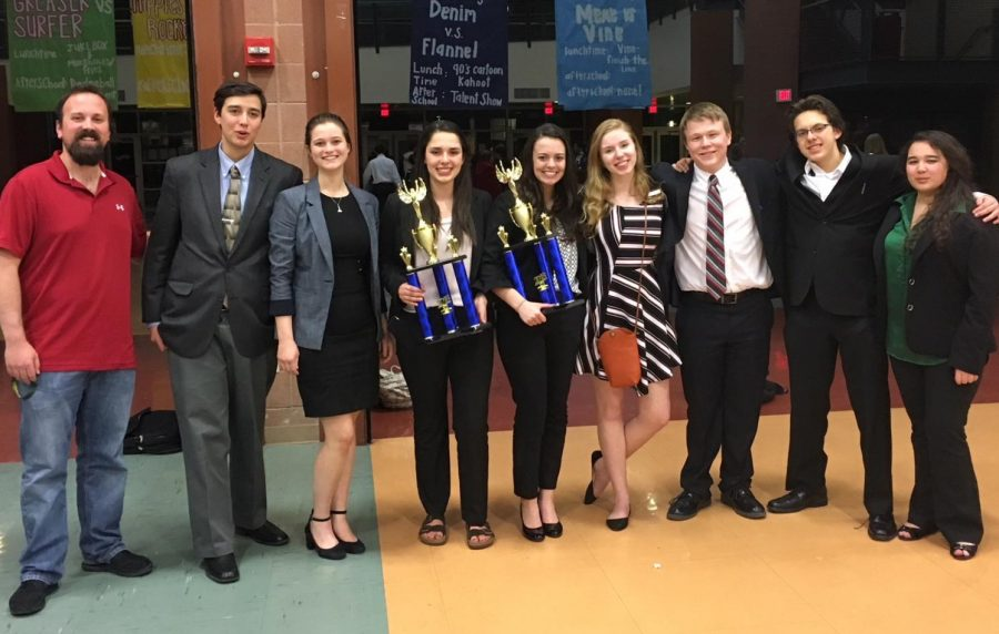 Mr. Monsey and the Debate Team pose in Las Vegas at the State Tournament on March 17, 2018.